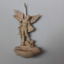 SP 095 cm 8x15 - Acquasantiera San Michele Arcangelo in marmorina