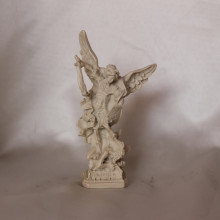 SP 026 cm 13 h -San Michele Arcangelo in marmorina