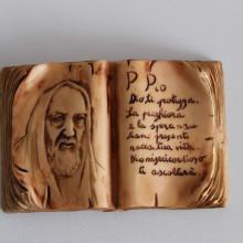 SP 036 cm 8x12 - Libro San Pio in marmorina decorata a mano