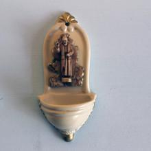 SP 070 cm 5,5x12 - Acquasantiera San Pio in marmorina laccata e decorata a mano