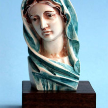 SP120 h cm13 - Busto Madonna  in marmorina decorato a mano